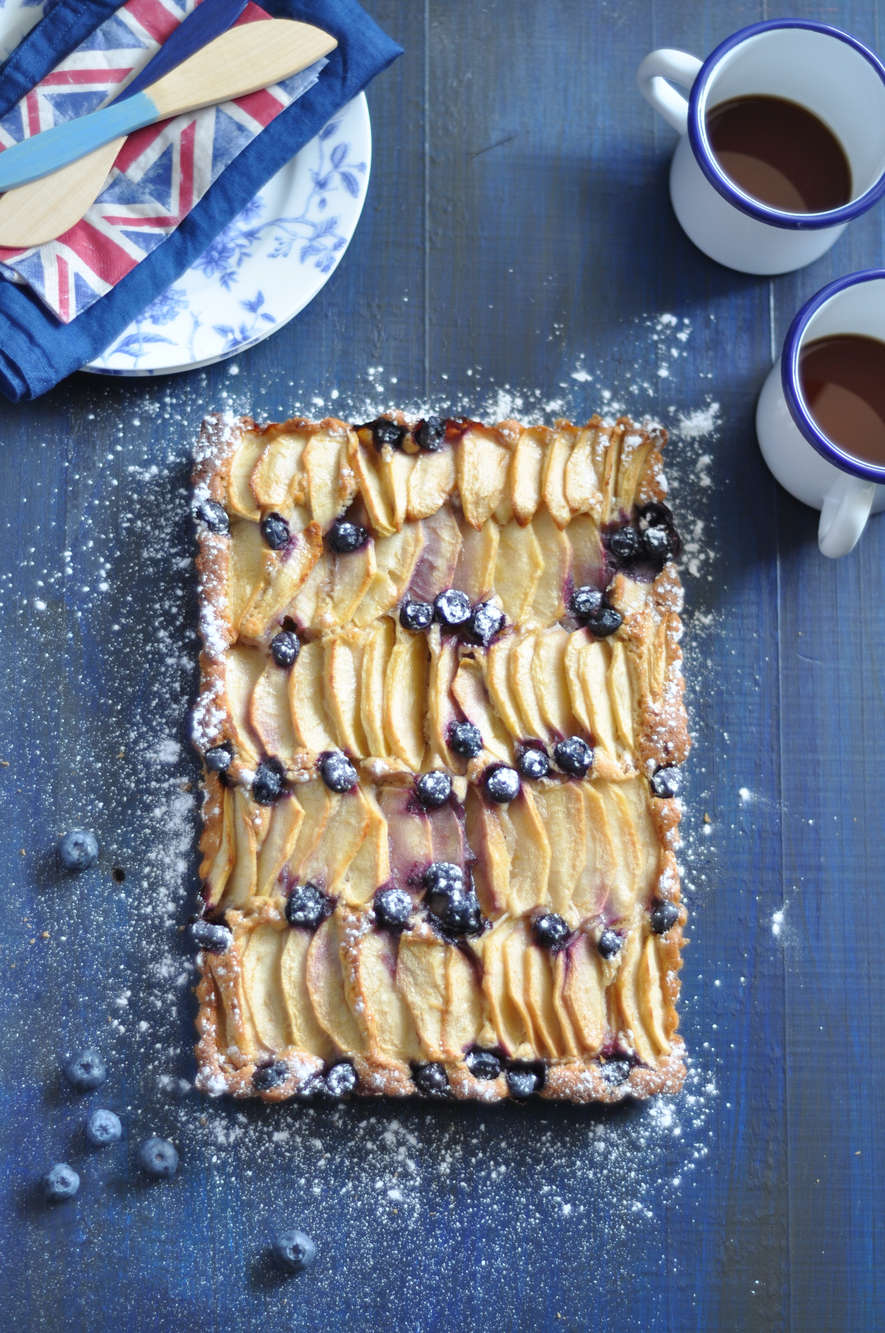 pastel de manzana y arandanos