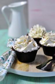 Cupcakes de canela y chocolate blanco