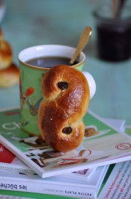 Cinnamon rolls de naranja y arándanos (Cranberry orange cinnamon rolls)
