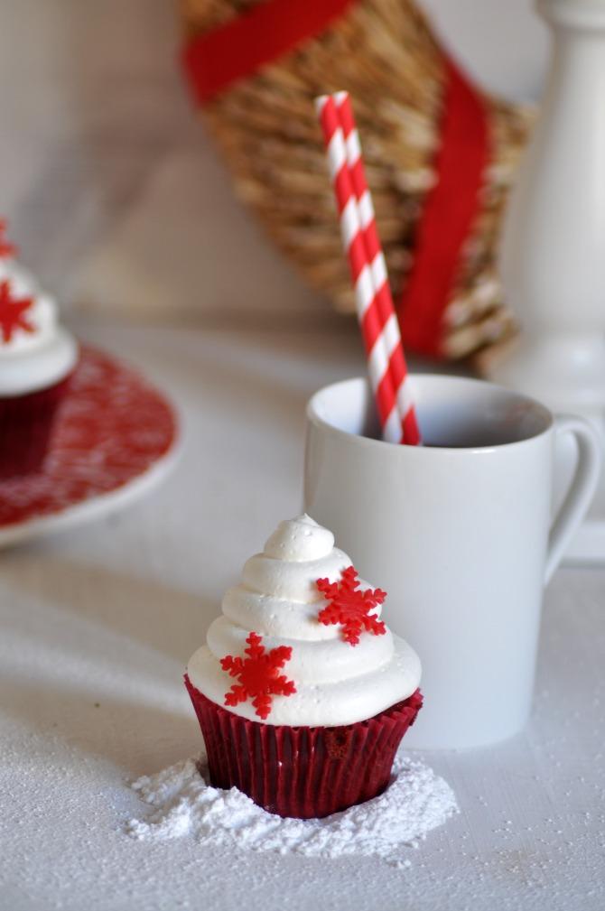 red velvet cupcakes (cupcakes de terciopelo rojo)