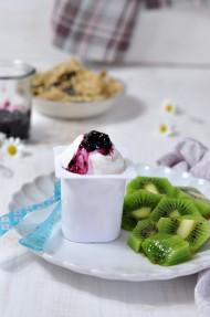 Helado de yogur y arándanos