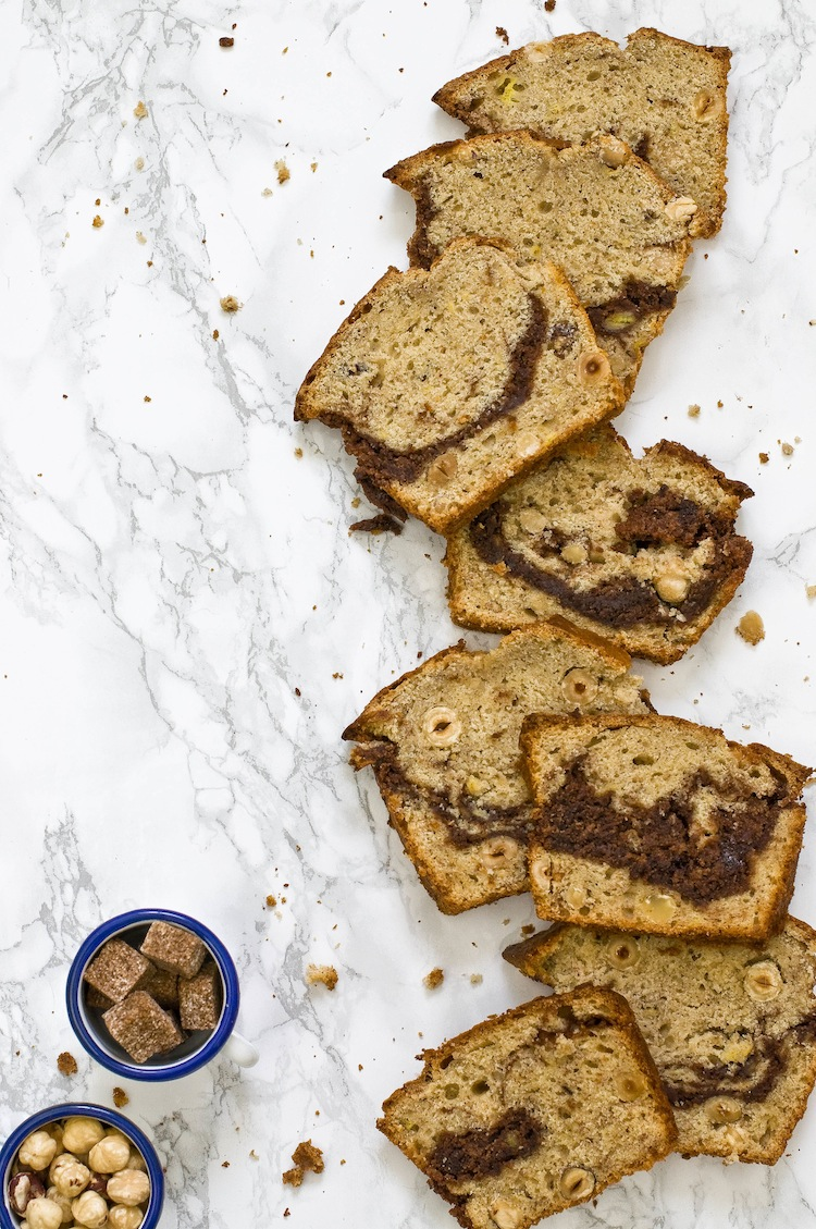 banana bread con nutella y avellanas