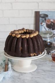 Bundt cake de chocolate y mantequilla de cacahuete